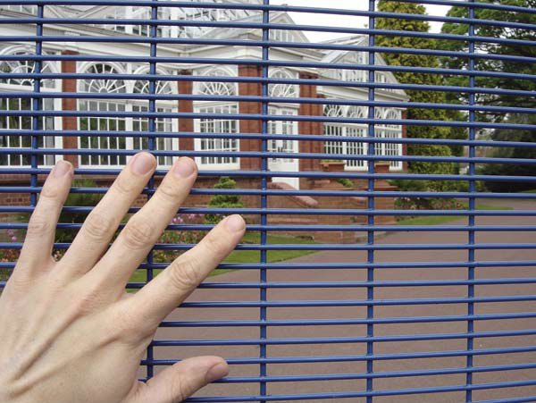 "Why Our 358 Anti-climb Fence Can Conquer ""The Fence World"""