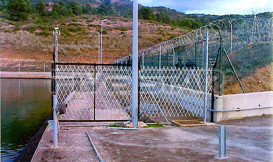 Welded Razor Wire Mesh Gives A Premium Protection.2